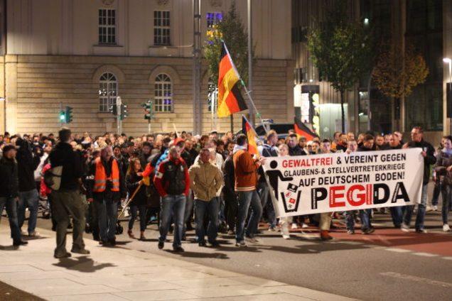 """Der """"unpolitische"""" Facebook-Mob macht mobil"""