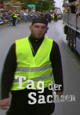 """Michel Kunath als Security beim """"Tag der Sachsen"""" 2016 (Screenshot MDR)"""