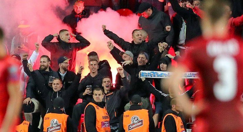 Dresdner Nazis beim Länderspiel in Prag